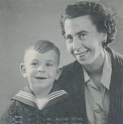 Leo Meijer met moeder
